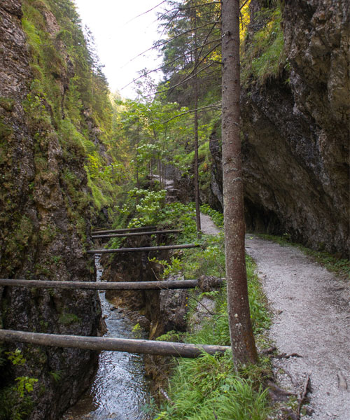 Juráňova Dolina – Túra